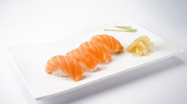Nigui de salmão - 4 pçs