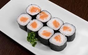 Hossomaki de salmão (shake)