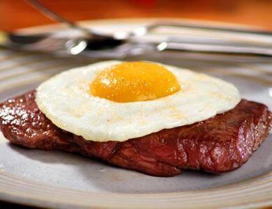 Linguiça com ovo
