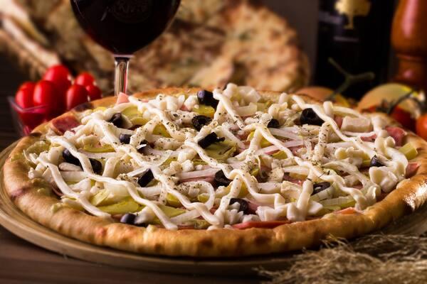 Pizza grande salgada, GRANDE, BORDA REQUEIJÃO + EMBALAGEM, PIZZA MARCUS ANTONIUS