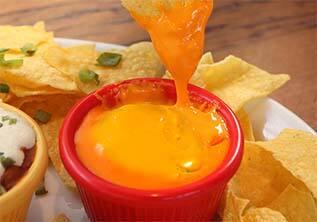Cheddar com nachos