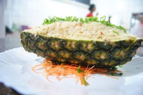 Camarões ao molho champagne 2P(foto ilustrativa não acompanha o abacaxi)