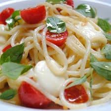 Espaguett caprese (2 feira)
