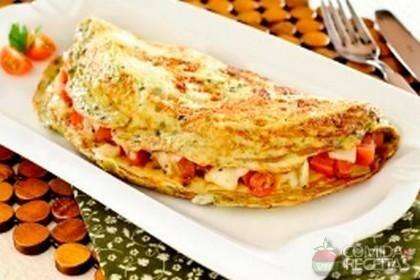 Omelete queijo tomate cebola+(mini salada cortesia)
