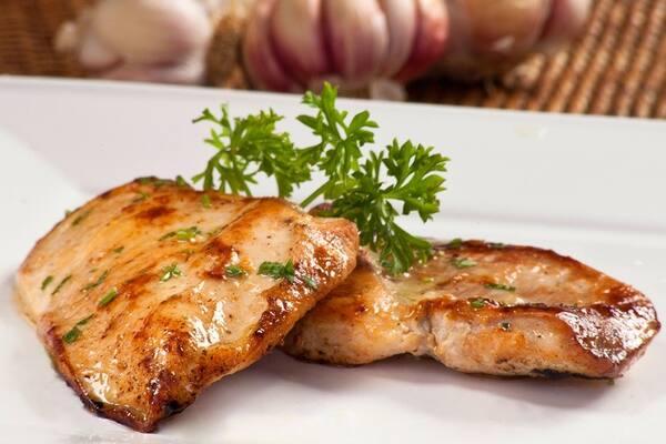 Filé de frango grelhado+(mini salada cortesia)