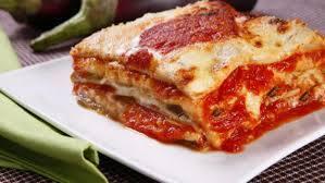 Grelhado+lasanha de berinjela c/ queijo e massa fresca ao molho vermelho+arroz+1 acompanhamento(4º feira)