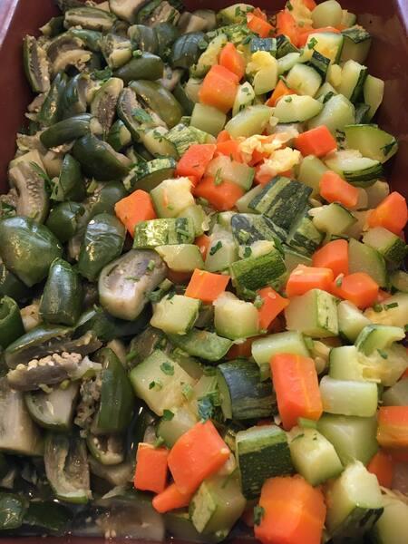 Refogado de  jiló c/ abobrinha, chuchu e cenoura(2º feira)