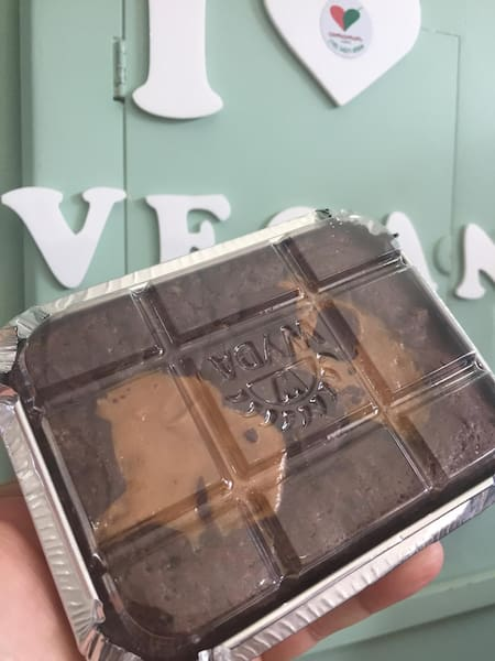 Brownie doce de leite vegano