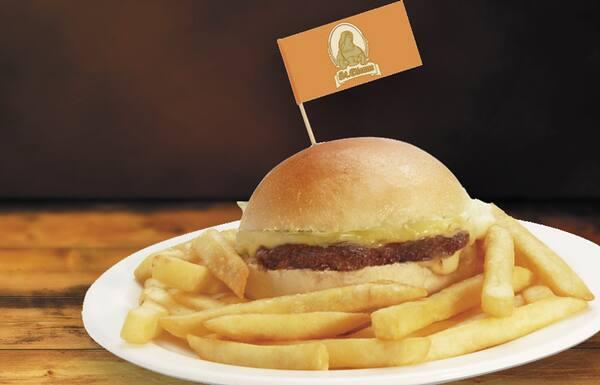 Kids cheese burger (mini) + fritas