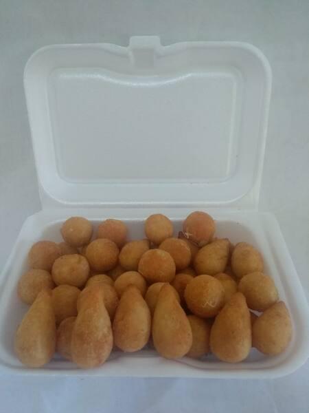 Salgados p/ festa (bolinha de queijo 25 und.)