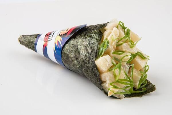 Temaki peixe branco cream cheese e cebolinha