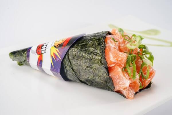 Temaki salmão cream cheese cebolinha