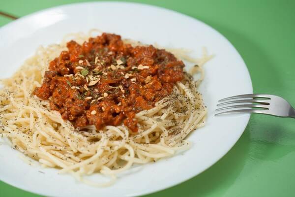 Espaguete bolonhesa ou sugo