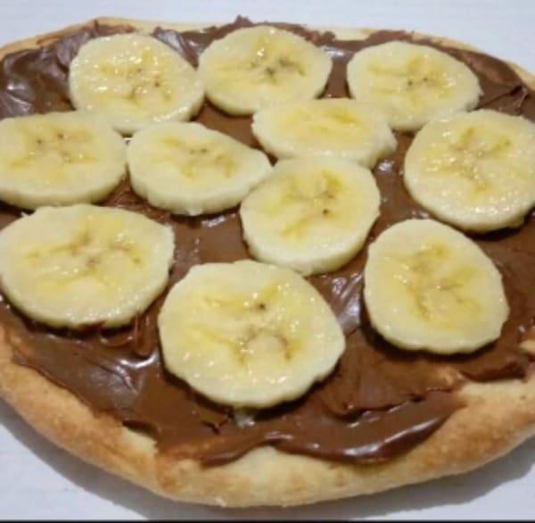 Esfiha banana com chocolate