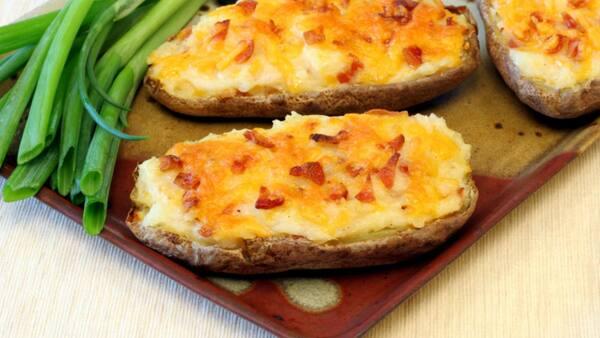 Batata c/ prov bacon e cheddar
