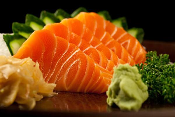 318 - sashimi de salmão (8 fatias)