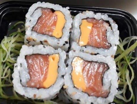 Uramaki salmão cheddar (4 unidades)