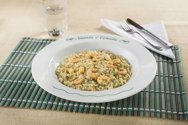 Risoto de camarão ao molho provençal
