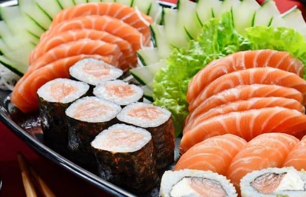 Combinado 40 peças + 1 temaki de salmão grelhado