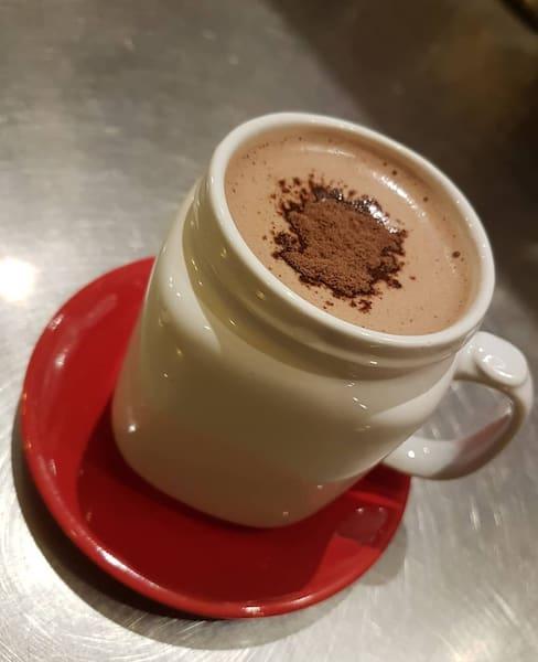 Chocolate alpino quente (200ml)