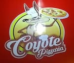Logotipo Coyote Pizzaria