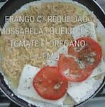 Tapioca de frango c/ requeijão,mussarela, queijo branco em fatia, tomate e orégano cod, (FMQ)