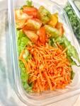 Salada de alface com tomate e cenoura