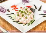 Temaki Toyo especial  salmão alho poro e crisp de batata doce.