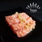 Sashimi salmão com crisp batata doce.