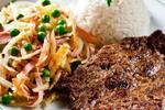 Filé mignon à francesa c/ arroz (batata palha, presunto,cebola e ervilhar)