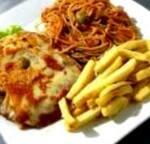 Espaguete ao Sugo e Filé de Frango á Parmegiana