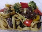 Talharim com cogumelo e legumes
