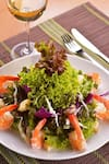 Salada Camarões