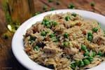 Arroz chop suey com frango