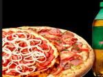 Na compra de 2 pizza 1 refrigerante 2 litros grátis 1/2.