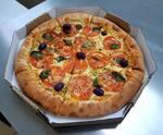 Pizza 8 pedaços + refrigerante 2 litros + borda recheada de Catupiry