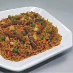 Arroz chop suey com shoyo e carne