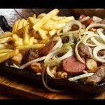 Churrasco de carne e linguiça