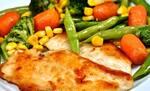 Espeto de filé de frango grelhado c/ legumes na manteiga