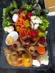 mixer de verduras e legumes com bife acebolado