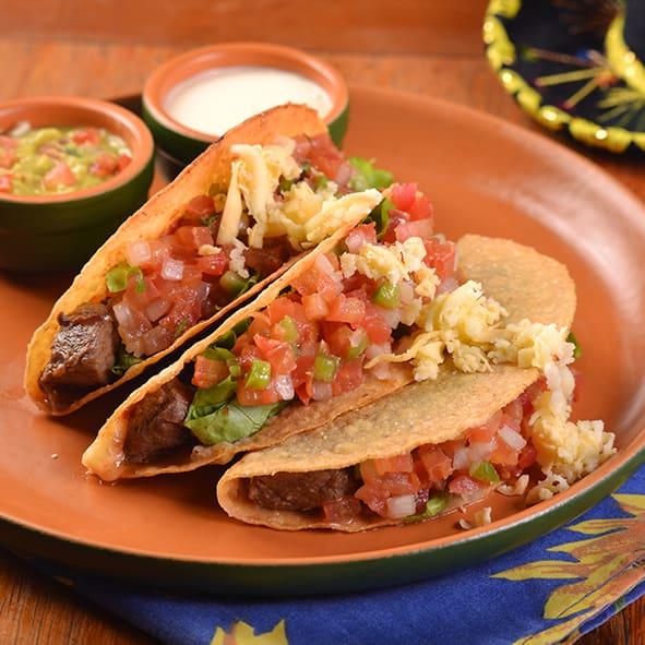 Tacos mignon ao molho barbacoa
