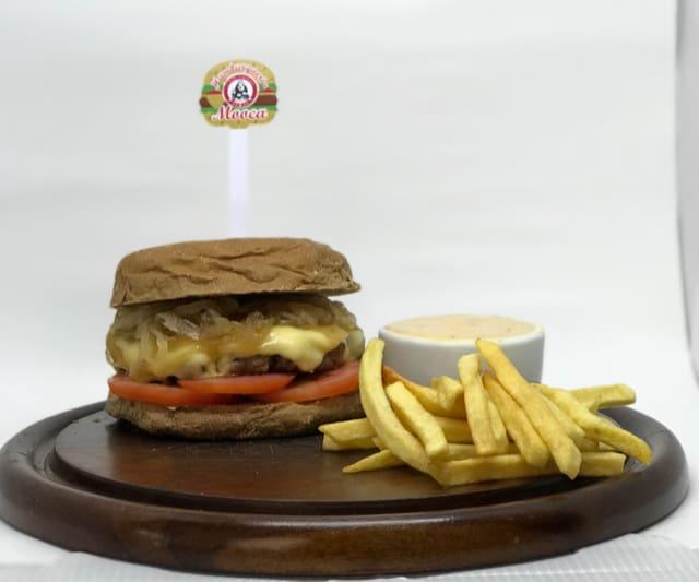 Burguer sr tango (new). pão australiano hambúrguer de  150 g picanha  cebola caramelizada queijo prato  molho especial  tomate e batata chips