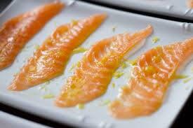 Carpaccio de barriga de salmão com azeite trufado - 10 fatias