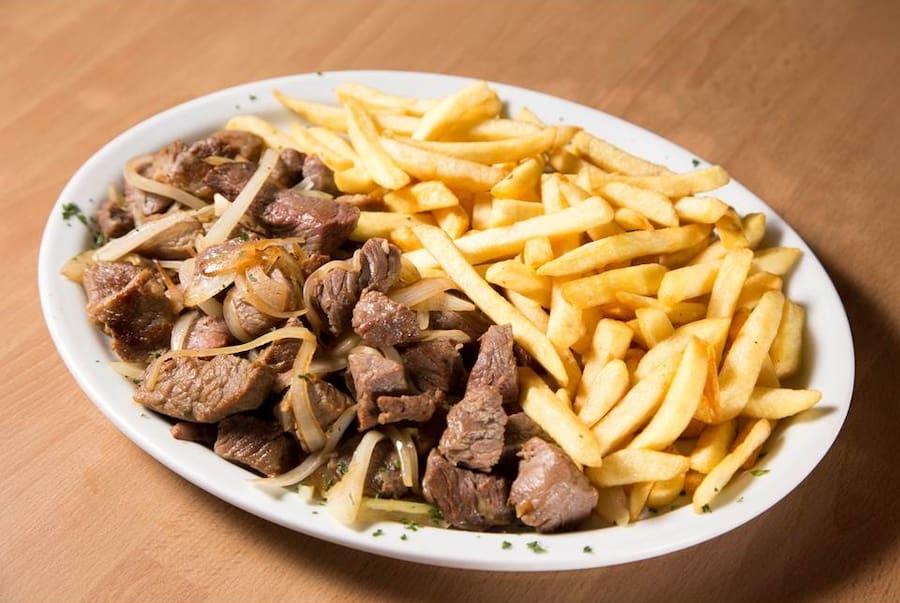 Carne de sol com fritas