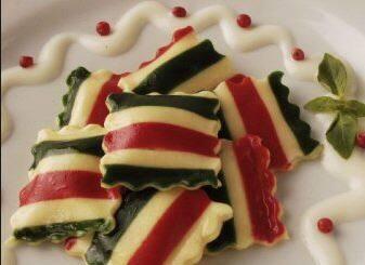 Ravioli Tricolore de Brie c/ Molho ao Pesto