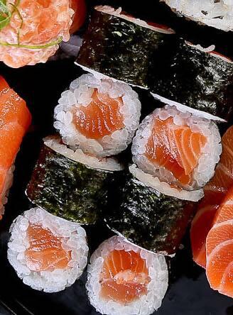 Hossomaki sake maki (8 peças)