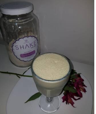 Delicioso Shake Akmos Sabor Abacaxi com Hortelã