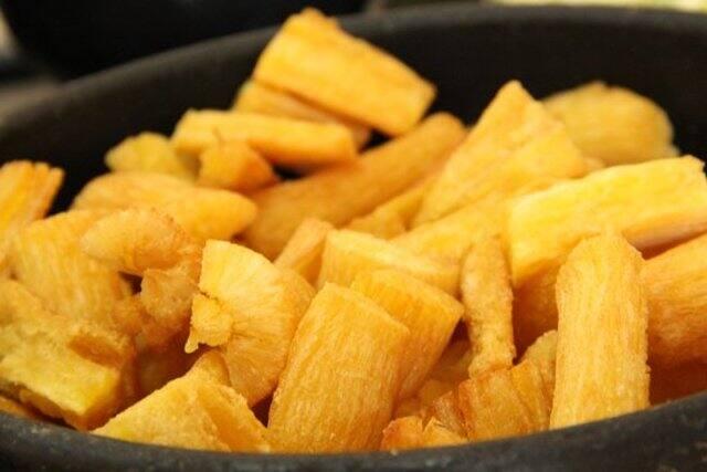 Mandioca frita (3a feira)