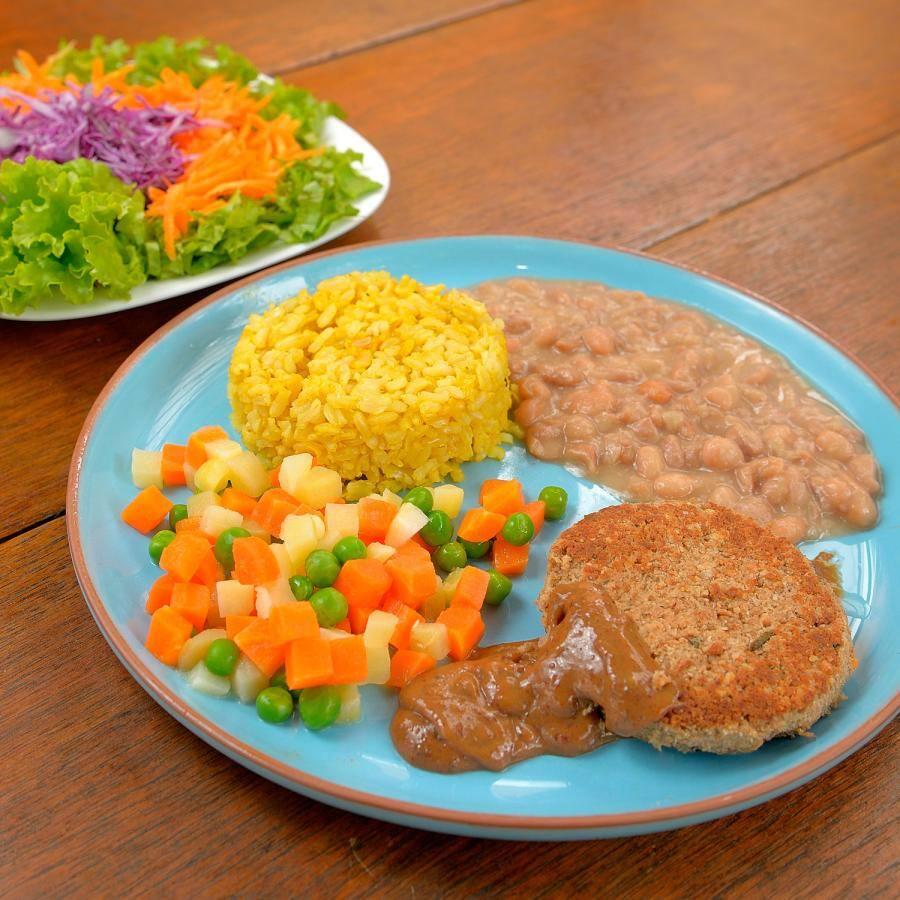 Hambúrguer de proteína de soja com molho satê (agridoce)