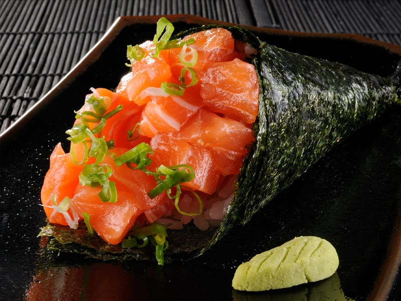 2b - temaki de salmão